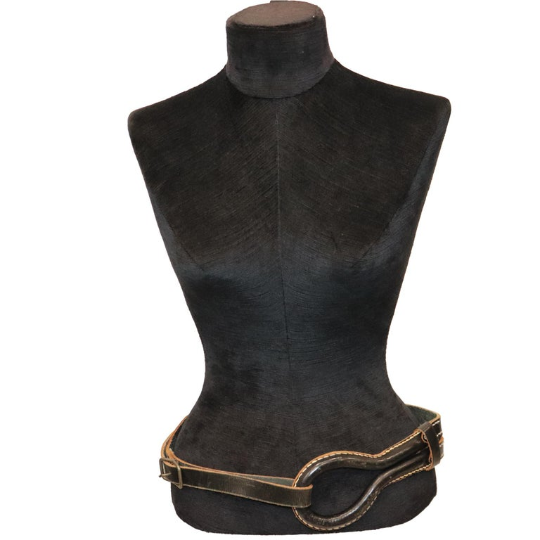 Plantation Black Leather Double Band W/ Loop and Front Buckle. In excellent condition   Measurements:  Longest length - 40 inches Shortest length - 33.5 inches Width - 1.9 inches