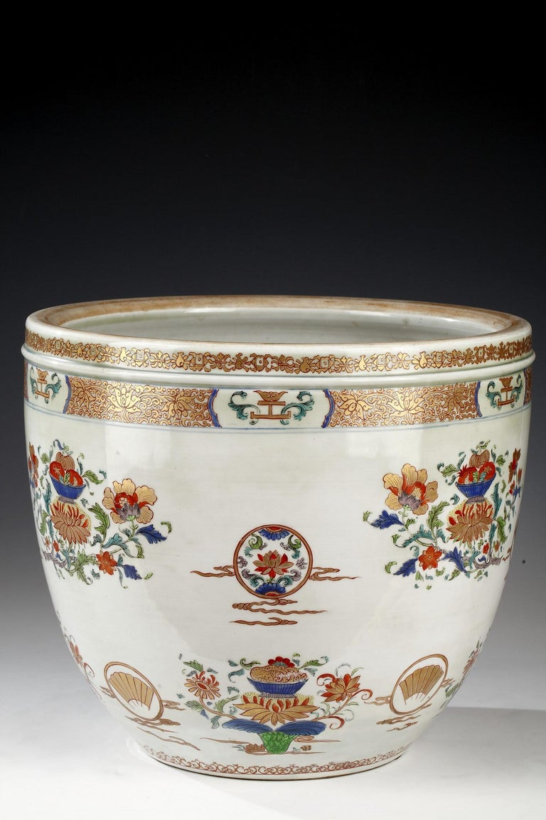 Late 19th Century Planter and Decorative Dish Attributed to Samson & Cie For Sale