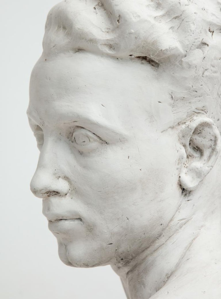 Plaster Bust of a Man In Good Condition For Sale In New York, NY