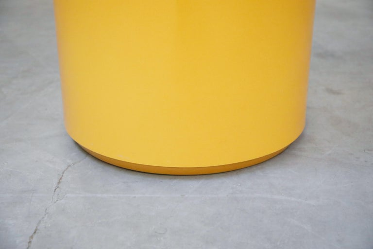 'Plastiglas' Side Table by Peter Pepper Products, 1970s, Signed For Sale 1