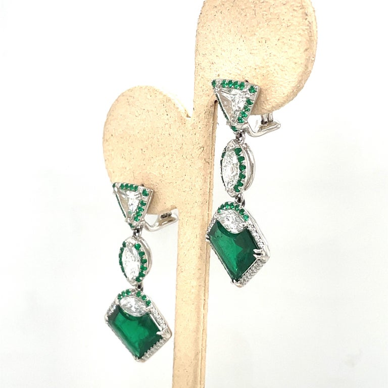 Plat/18kt Gold, 6.74ct. Gem Quality, Heart Emerald & 11.31ct. Diamond Earrings For Sale 1