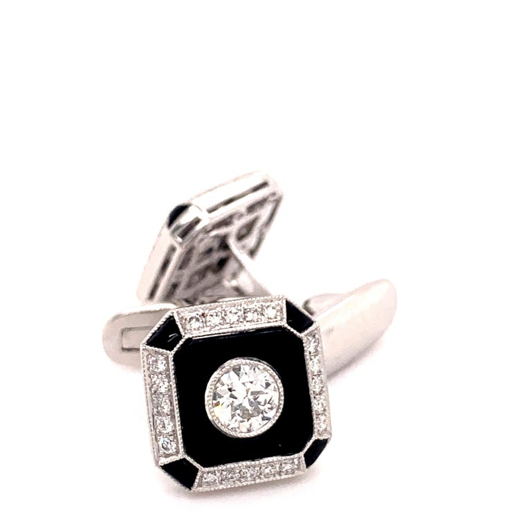 Platinum 0.87 Carat Onyx and Diamond Cufflinks In New Condition For Sale In New York, NY