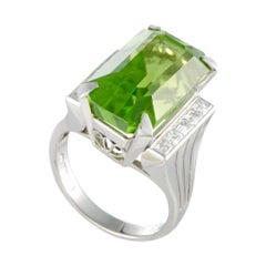 Platinum 10 Diamonds and Rectangle Peridot Ring