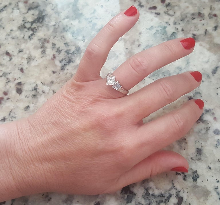 Platinum 1.00 Carat GIA Certified Princess Cut Diamond Ring with Baguette For Sale 1