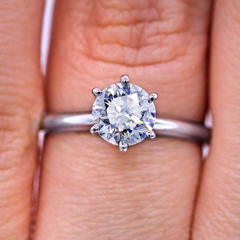 Platinum 1.05 Carat F-VVS2 Engagement Ring In New Condition For Sale In New York, NY