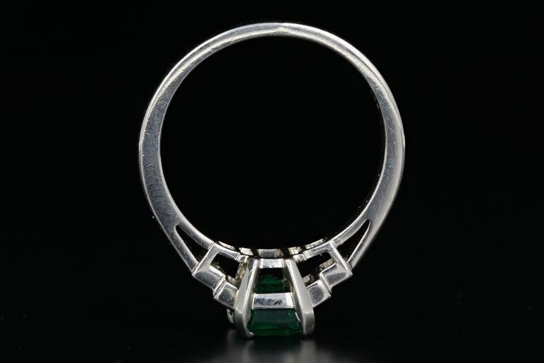 Women's Platinum 1.28 Carat Columbian Emerald GIA Certified For Sale