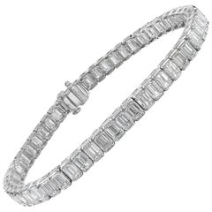Platinum 13.68 Carat Emerald Cut Diamond Tennis Bracelet