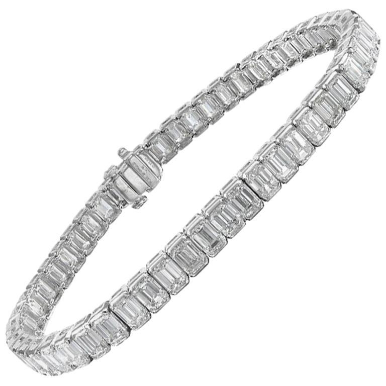 Platinum 13.68 Carat Emerald Cut Diamond Tennis Bracelet For Sale