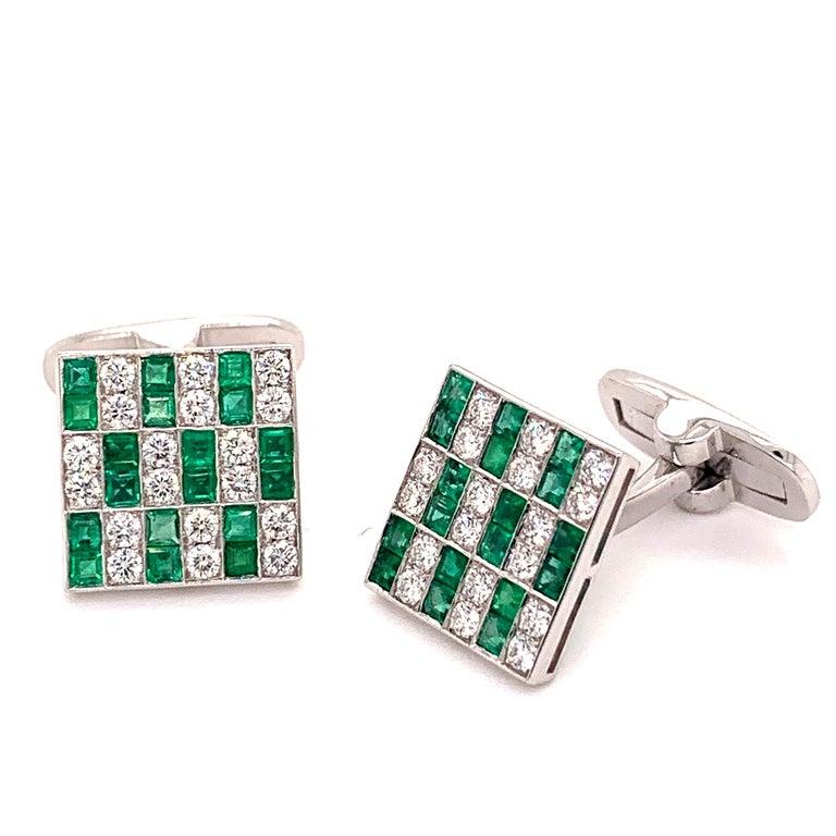 Round Cut Platinum 1.45 Carat Emerald and Diamonds Cufflinks For Sale