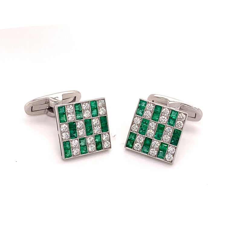 Platinum 1.45 Carat Emerald and Diamonds Cufflinks In New Condition For Sale In New York, NY