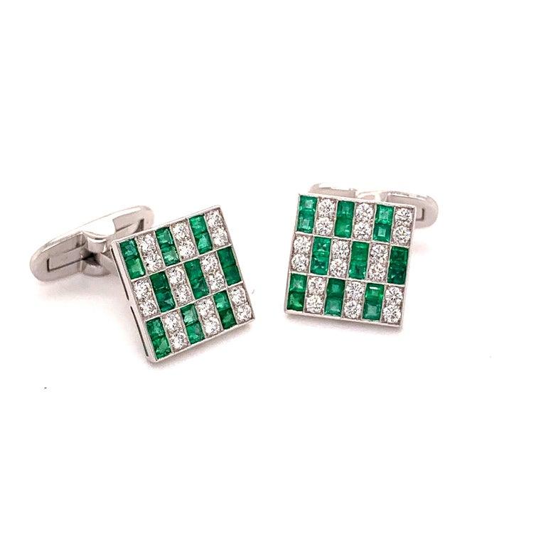 Platinum 1.45 Carat Emerald and Diamonds Cufflinks For Sale 1