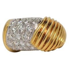 Platinum & 18K Yellow Gold Ring with Round Brilliant Cut Diamonds, 3.40 Carats