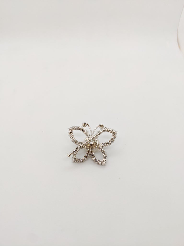Platinum and 2.29 Carat Diamond Butterfly Brooch with South Sea Pearl Center In New Condition For Sale In New York, NY