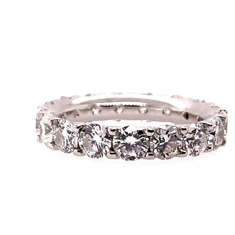Platinum 4 Carat Round Brilliant Natural VS Diamond Eternity Engagement Band In Good Condition For Sale In Los Angeles, CA