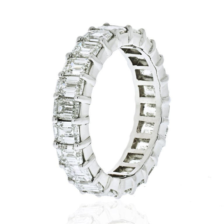 Platinum 6 Carat Emerald Cut Diamond Eternity Band In Excellent Condition For Sale In New York, NY