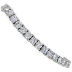 Platinum 9.00 Carat Diamond Line Tennis Bracelet