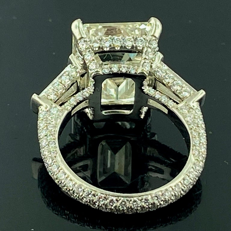 Platinum 9.25 Carat Emerald Cut Diamond Ring In Excellent Condition For Sale In Palm Desert, CA