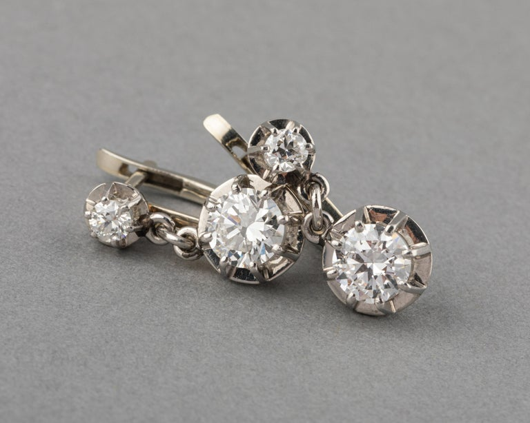 Round Cut Platinum and 1.60 Carat Diamonds French Art Deco Earrings For Sale
