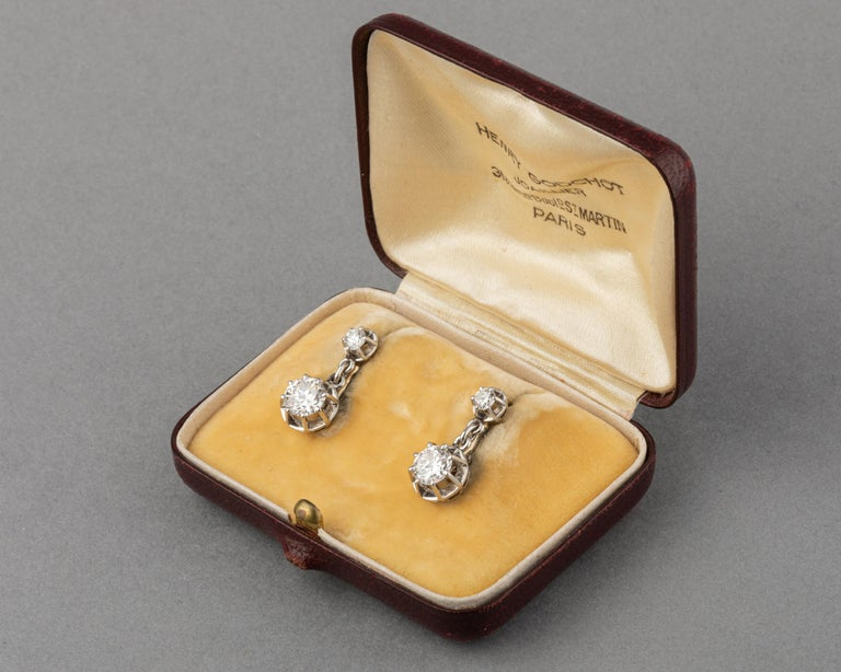 Platinum and 1.60 Carat Diamonds French Art Deco Earrings For Sale 2