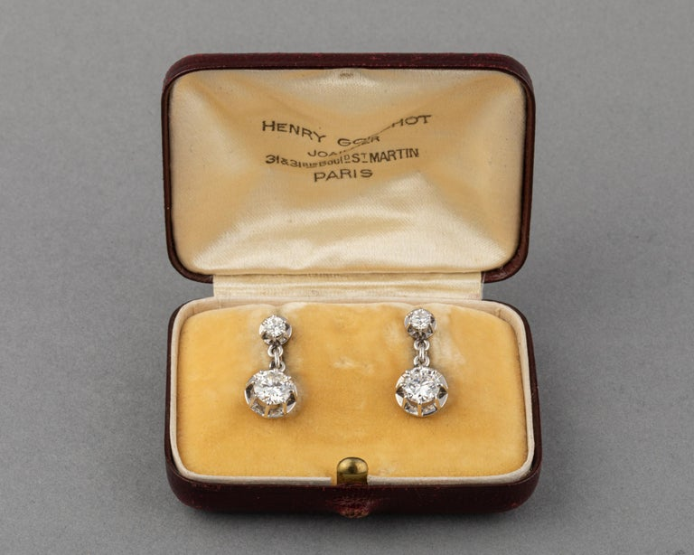 Platinum and 1.60 Carat Diamonds French Art Deco Earrings For Sale 3
