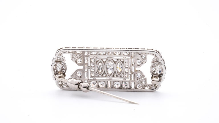 Platinum and Diamond Art Deco Pin In Excellent Condition For Sale In New York, NY