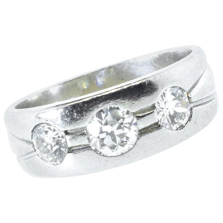 Platinum and Diamond Band Ring, Art Deco, circa 1935 For Sale