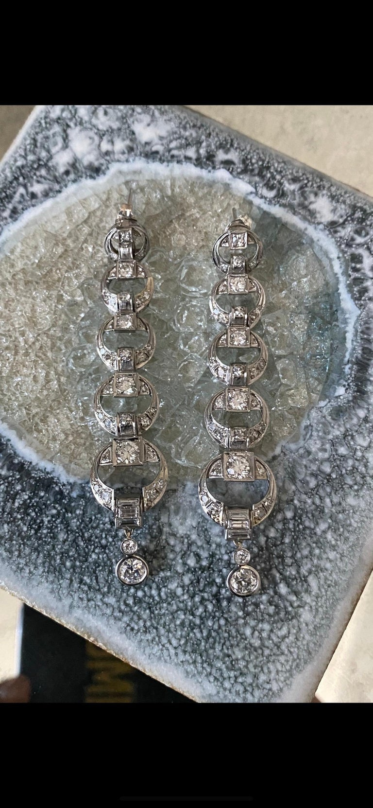 Platinum Diamond Multi Circle Long Dangling Earrings In Excellent Condition For Sale In New York, NY
