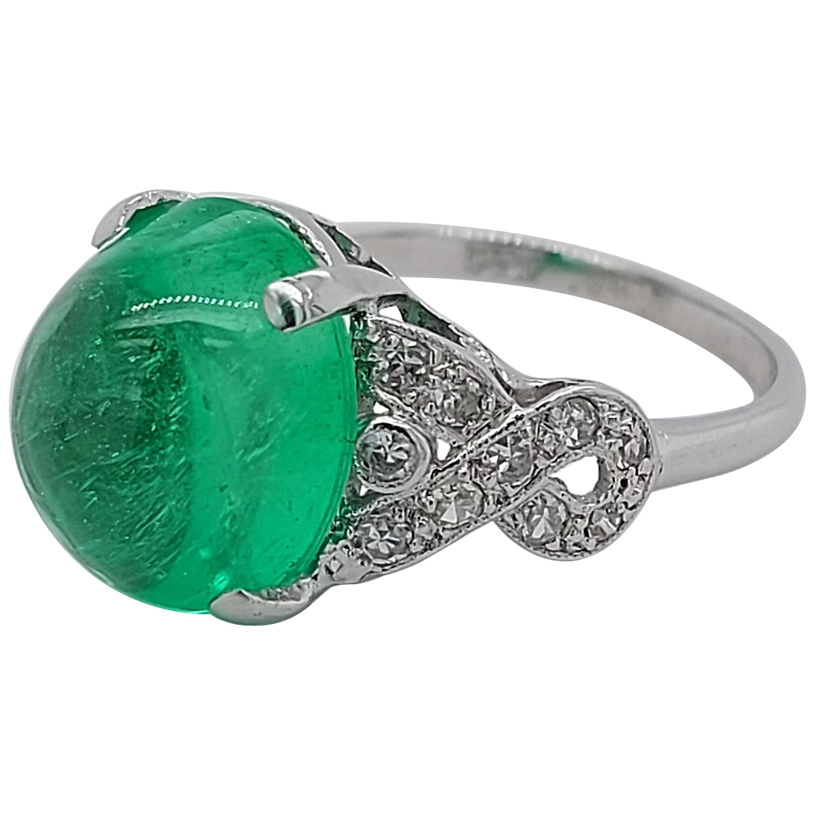 Platinum Art Deco Ring with Colombian Cabochon Emerald and Diamonds