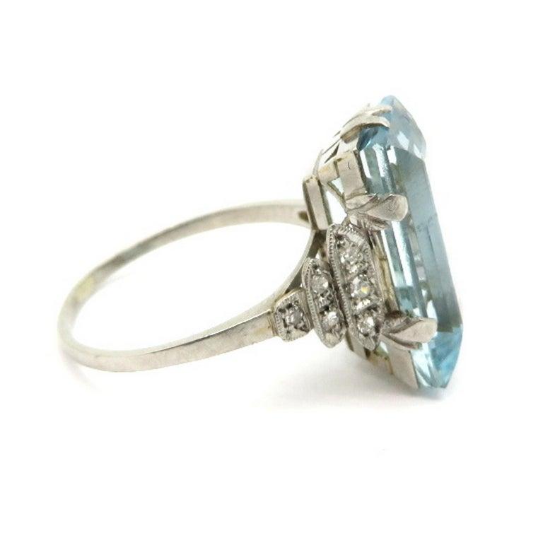 Platinum Art Deco Style 5.00 Carat Aquamarine and Diamond Ring In Excellent Condition For Sale In Scottsdale, AZ
