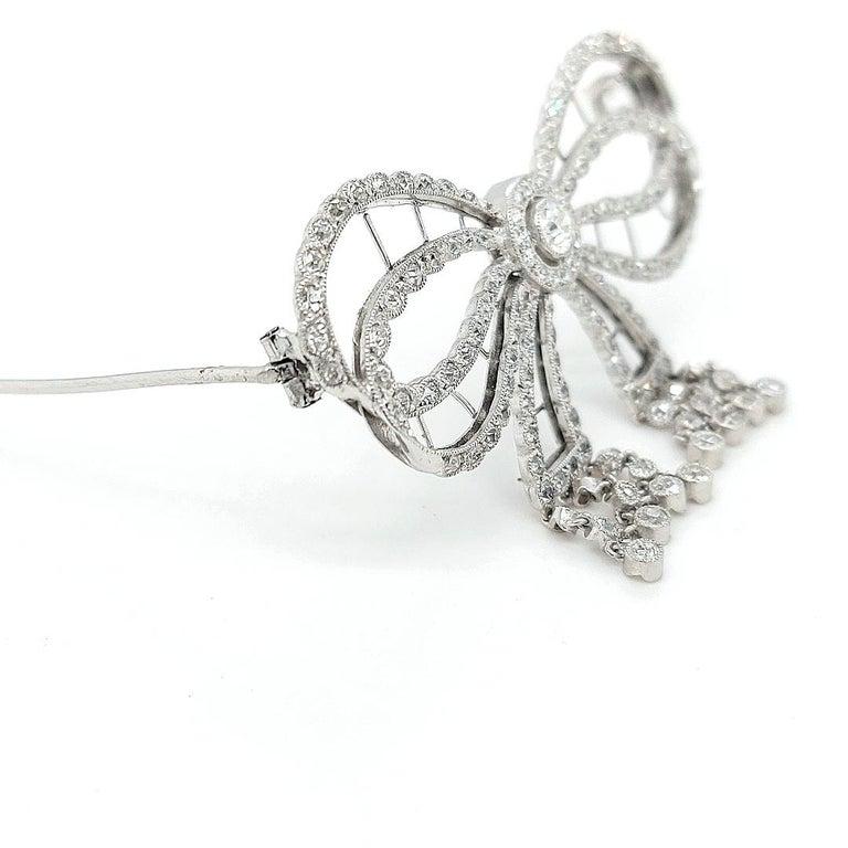Platinum Artdeco Bowknot Diamond Brooch with Dangling Diamonds For Sale 5