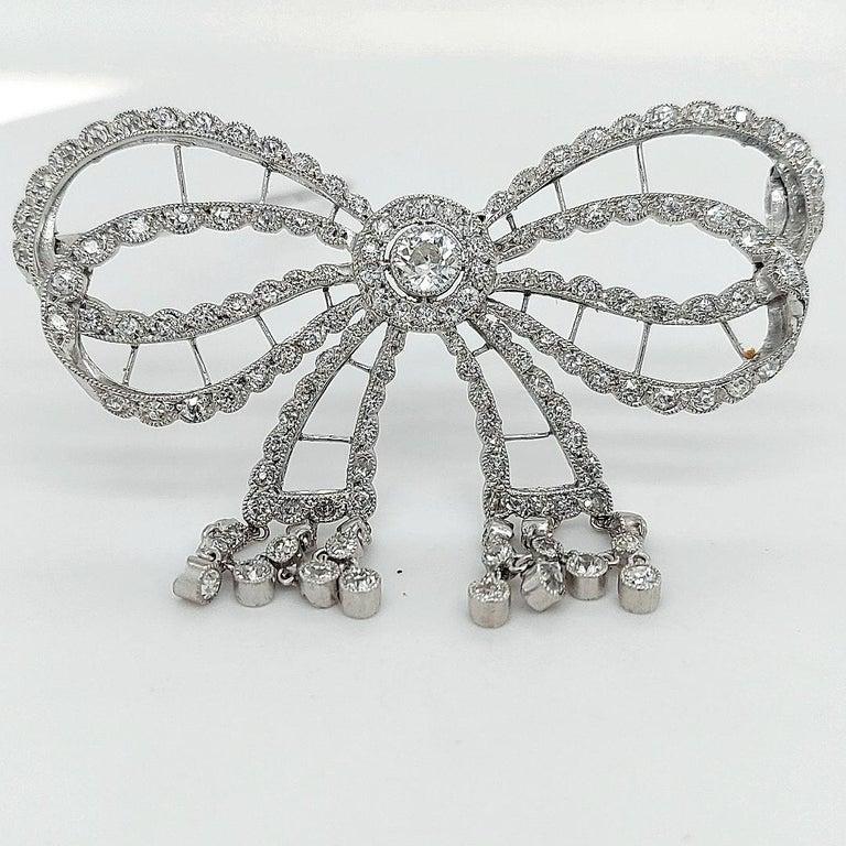 Platinum Artdeco Bowknot Diamond Brooch with Dangling Diamonds For Sale 2