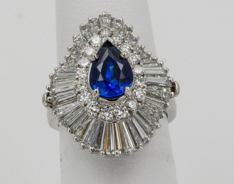Platinum Ballerina Ring with Ceylon Blue Sapphire and Diamonds In Excellent Condition For Sale In Dallas, TX