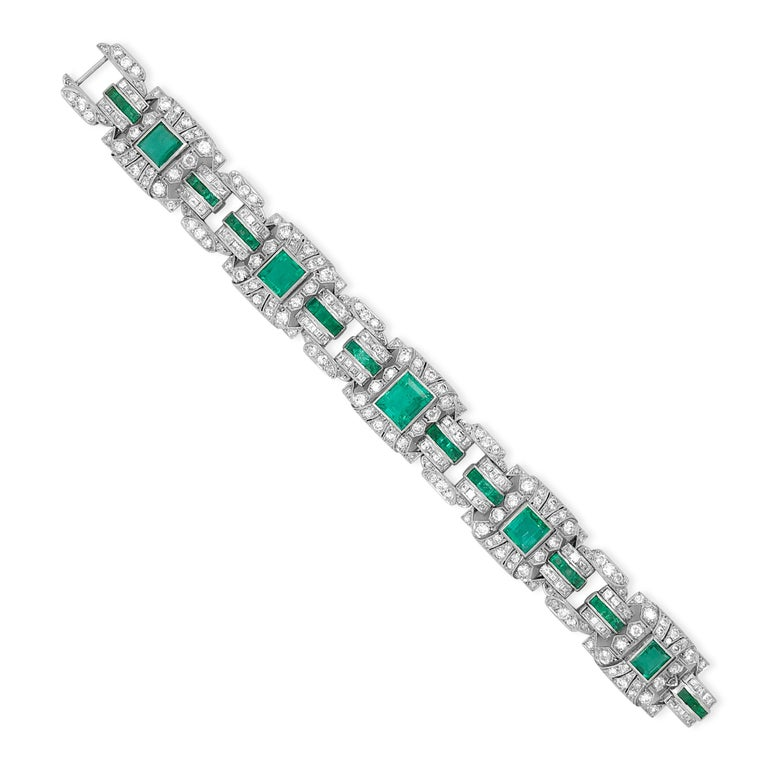 This exquisite vintage bracelet of European provenance is immaculately crafted in a solid platinum, weighs approx. 50.25 grams and measures approximately 18cm (7 inches) long and 17mm wide. Complemented by approx. 8.5ct of round-faceted diamonds,