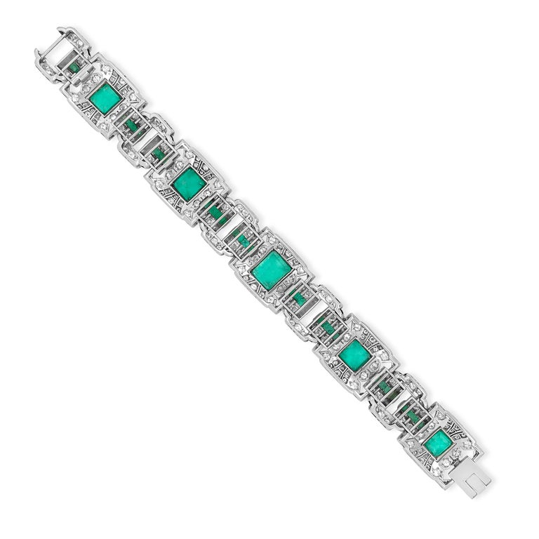 Art Deco Platinum Columbia Emerald and Diamond Bracelet In Excellent Condition In New York, NY