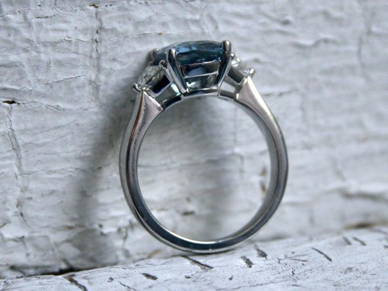 Platinum Ceylon Sapphire Three-Stone Ring with Shield Cut Diamonds 3.69 Carat In New Condition For Sale In San Francisco, CA