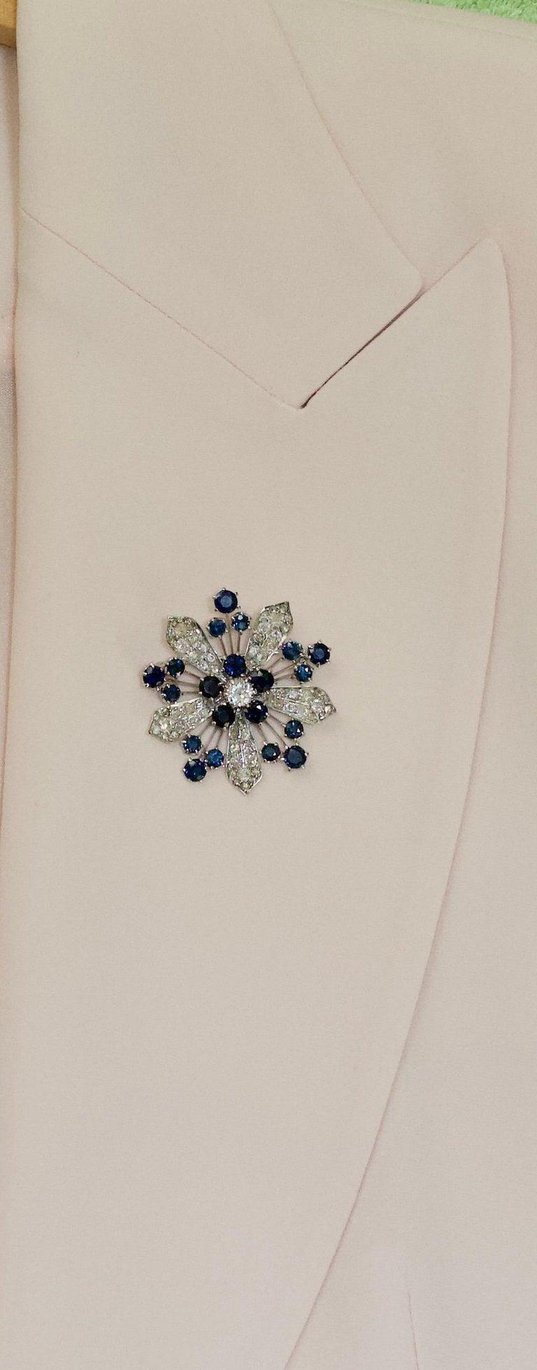 Platinum Diamond and Sapphire Brooch, Necklace circa 1920s 6.85 Carat For Sale 6