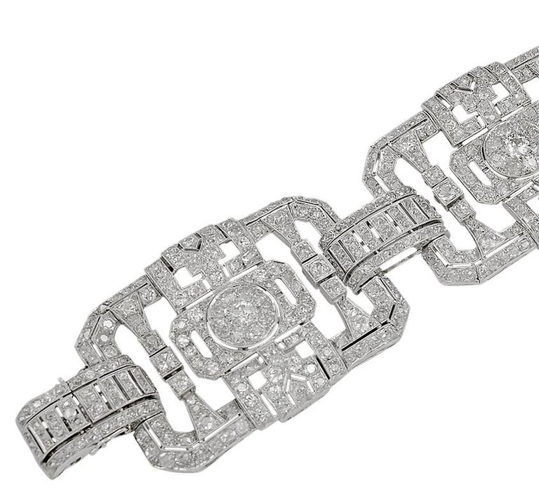 Round Cut Platinum Diamond Bracelet, circa 1960s For Sale