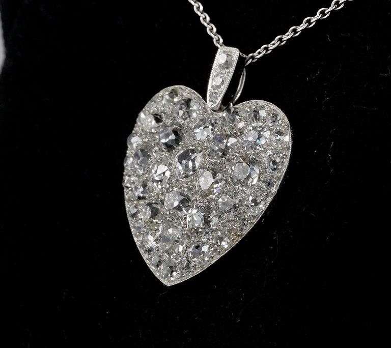 Platinum Edwardian 6.0 Carat Mine Cut Diamond Rare Sentimental Heart Necklace For Sale 1