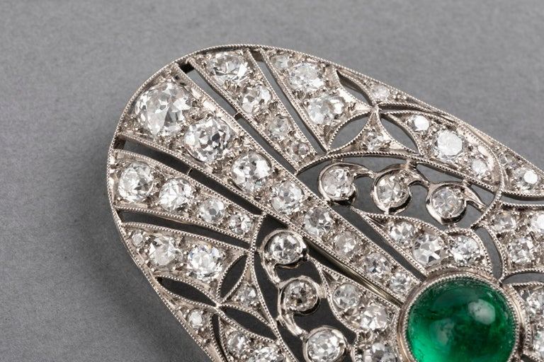 Old European Cut Platinum Emerald and 3.50 Carat Diamonds French Art Deco Brooch For Sale