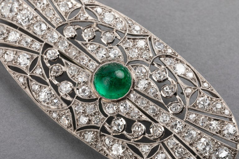Platinum Emerald and 3.50 Carat Diamonds French Art Deco Brooch In Good Condition For Sale In Saint-Ouen, FR
