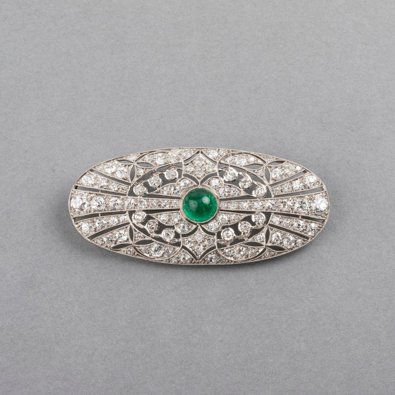 Platinum Emerald and 3.50 Carat Diamonds French Art Deco Brooch For Sale 1