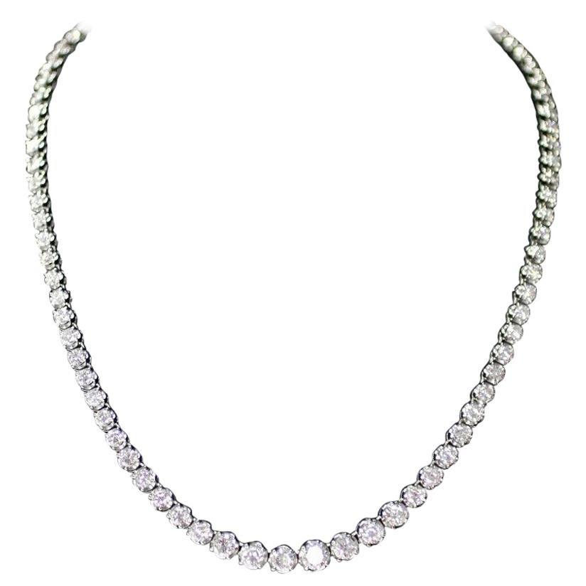 18k white gold Graduated Diamond Necklace, Containing 10.00 Carat