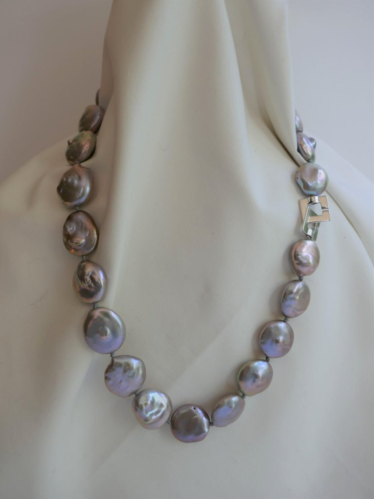 Platinum Grey Coin Keshi Cultured Pearls 925 Sterling Silver Necklace In New Condition For Sale In Coral Gables, FL