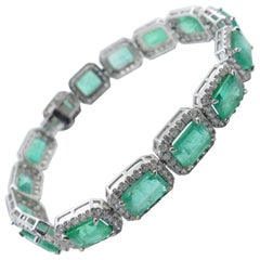Platinum High Quality Multi Emerald and Diamond Bracelet