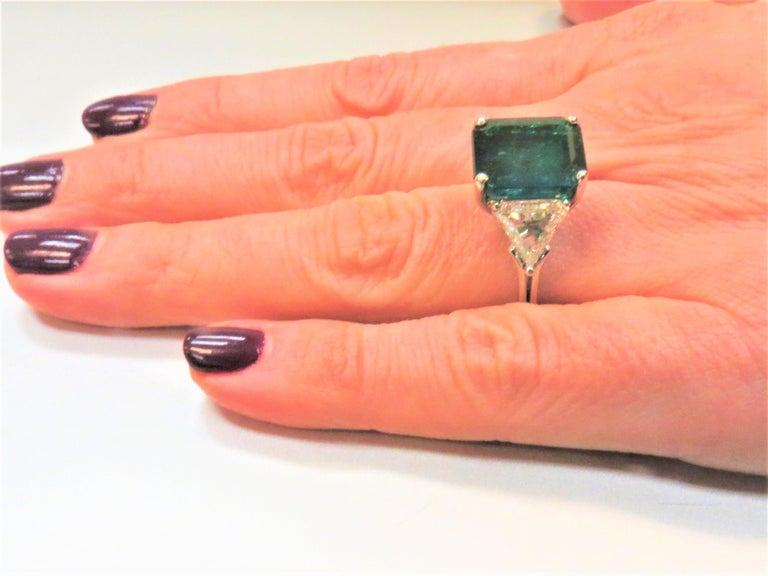 Columbian Emerald Cut Emerald and Triangular Diamond Platinum Ring For Sale 1