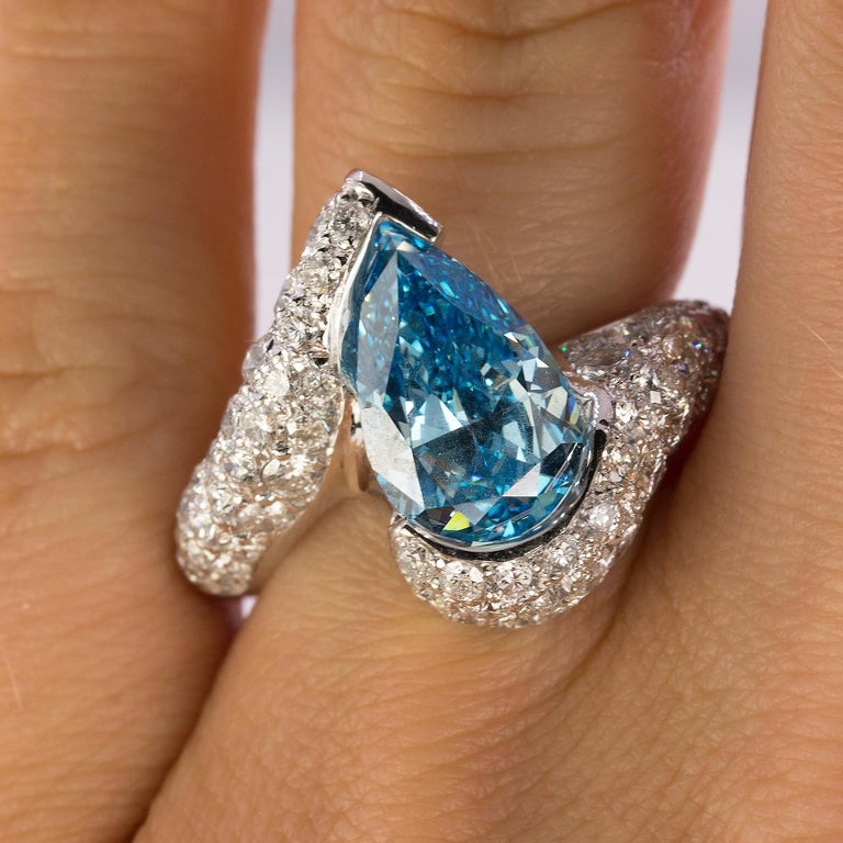 Pear Cut Platinum Ring with Vivid Blue Diamond For Sale
