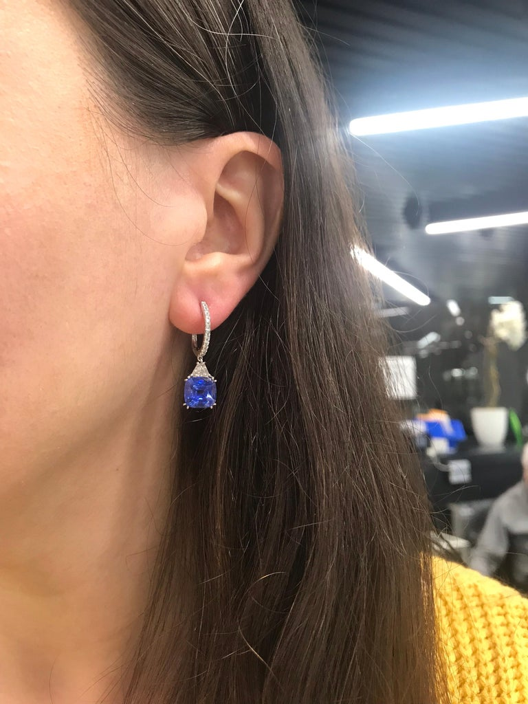 Platinum Sapphire Diamond Drop Earrings 8.71 Carat In New Condition For Sale In New York, NY