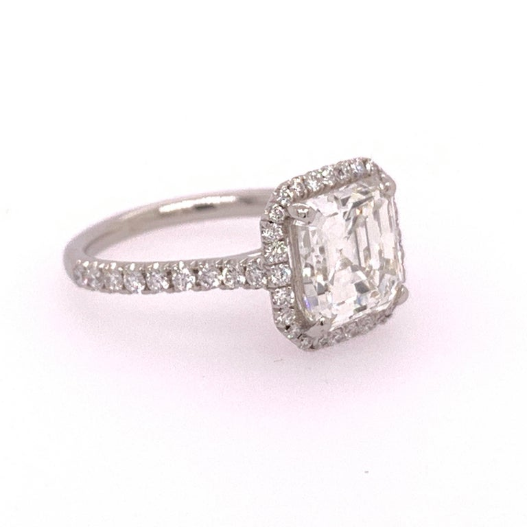 Platinum Square Emerald Cut Natural 2.57 Carat GIA I VS2 Diamond Ring In Excellent Condition For Sale In Los Angeles, CA