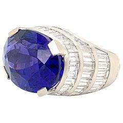 Platinum Tanzanite 30.30 Carat and Diamonds 10.31 Carat Ring