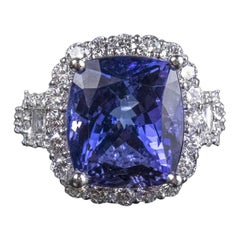 Platinum Tanzanite and Diamond Fashion Ring